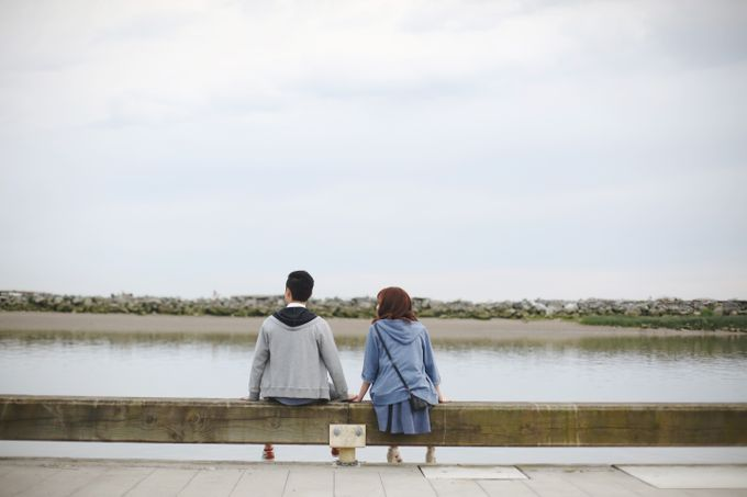 Engagement shoot at Steveston Richmond by Rebecca Ou Photography - 020