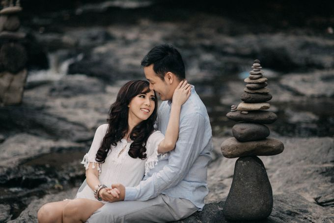 SUNDORO & LIA PREWEDDING by DHIKA by MA Fotografia - 021