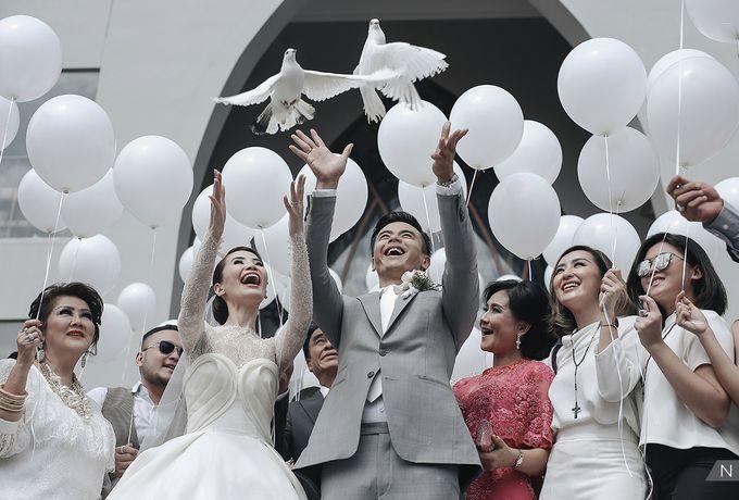 Dion Wiyoko & Fiona Wedding by Djampiro Band Bali - 021