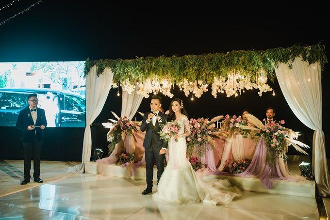 Soft Purple & Lavender Decoration Wedding by Bali Izatta Wedding Planner & Wedding Florist Decorator - 009
