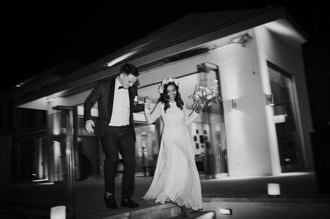 Bali  Wedding - Tom & Sue at Villa Anugrah by ILUMINEN - 020