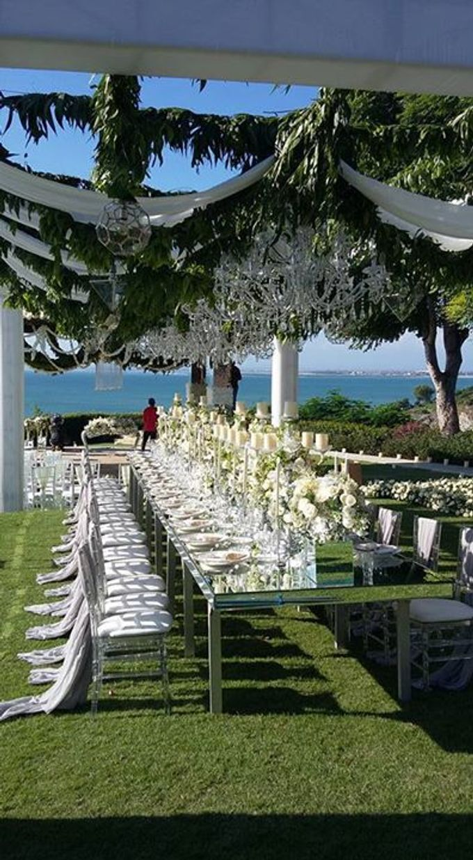 White Wedding At Ayana Villa bali by Marlyn Production - 011