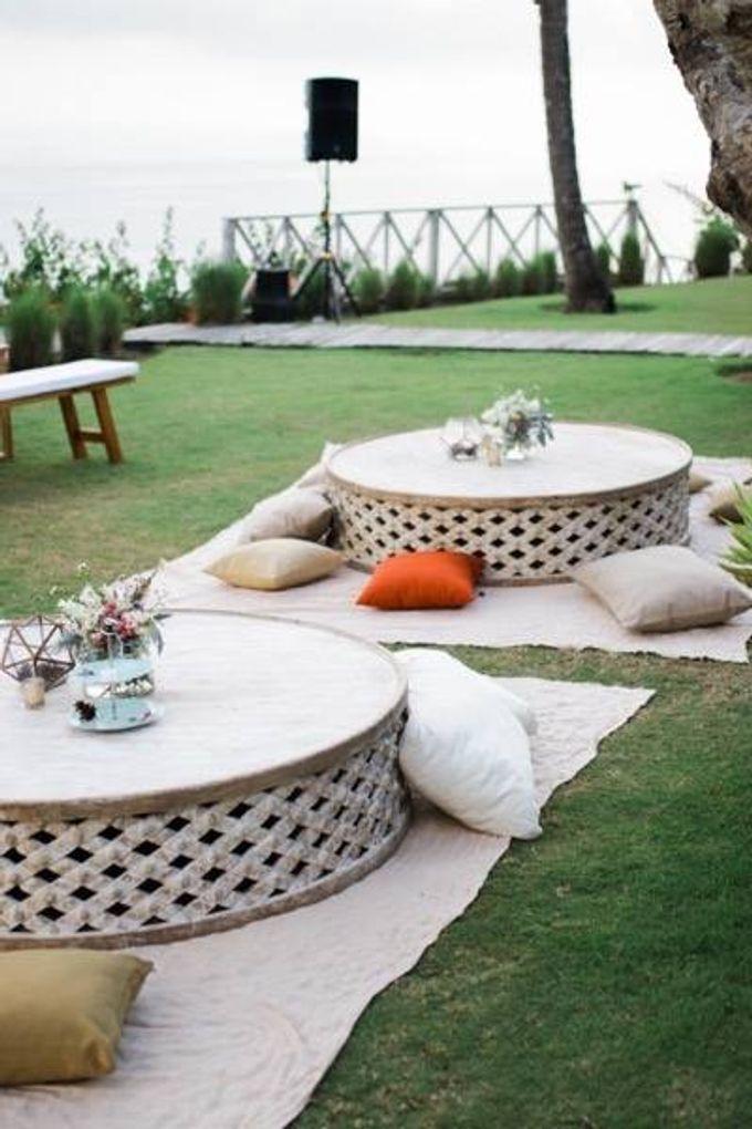 Khayangan Estate - Alfresco Cliff Edge Dining by Flora Botanica Designs - 006