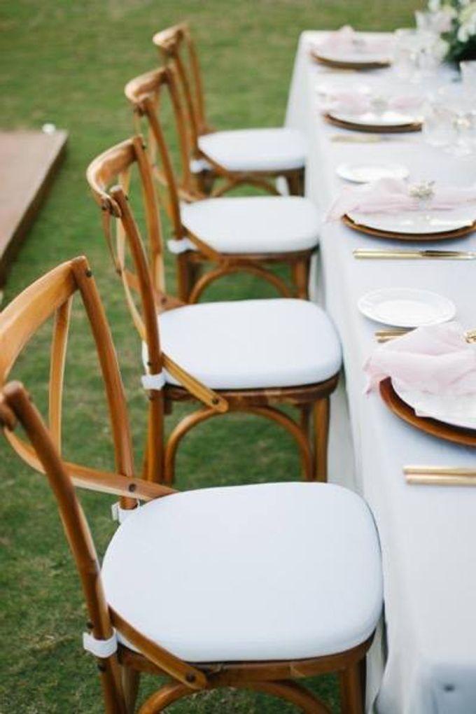 Khayangan Estate - Alfresco Cliff Edge Dining by Flora Botanica Designs - 043