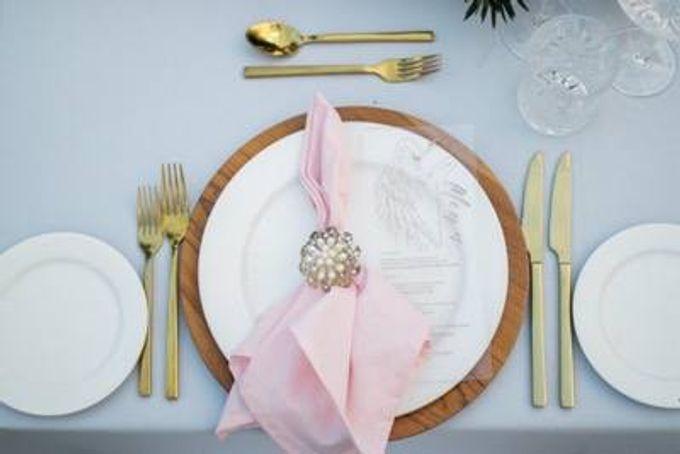 Khayangan Estate - Alfresco Cliff Edge Dining by Flora Botanica Designs - 019