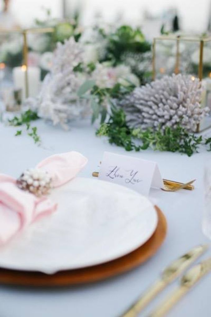 Khayangan Estate - Alfresco Cliff Edge Dining by Flora Botanica Designs - 035
