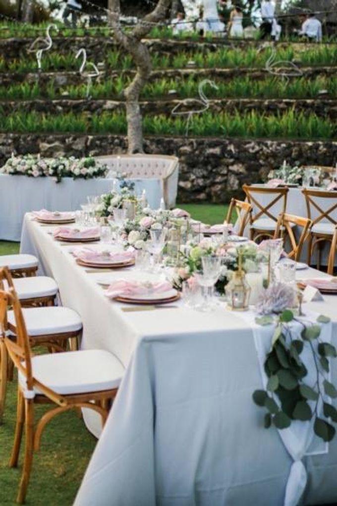 Khayangan Estate - Alfresco Cliff Edge Dining by Flora Botanica Designs - 013