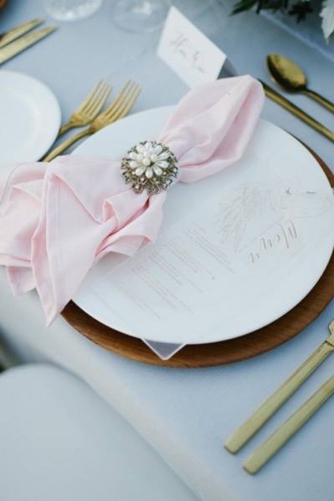 Khayangan Estate - Alfresco Cliff Edge Dining by Flora Botanica Designs - 033