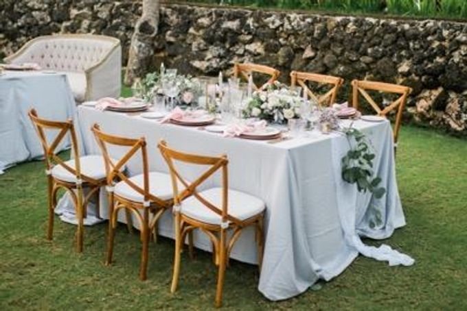 Khayangan Estate - Alfresco Cliff Edge Dining by Flora Botanica Designs - 015