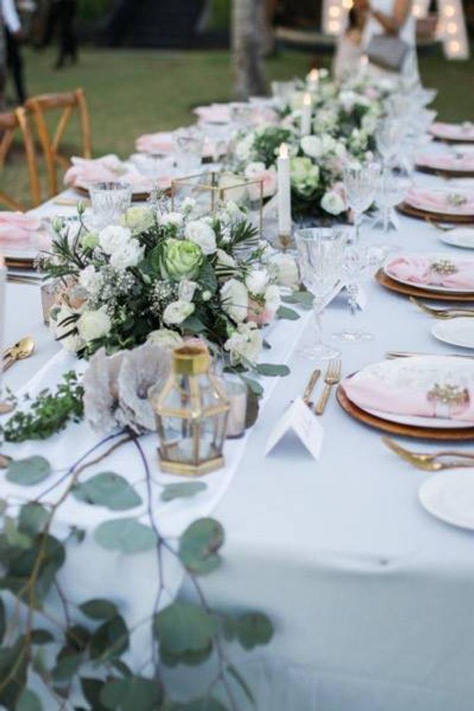 Khayangan Estate - Alfresco Cliff Edge Dining by Flora Botanica Designs - 029
