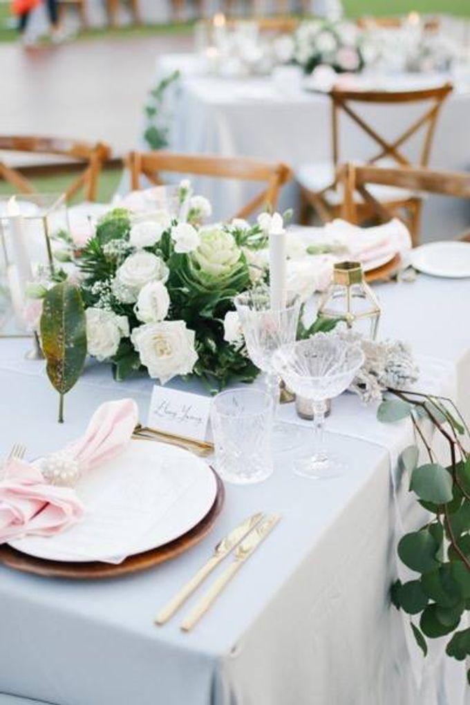 Khayangan Estate - Alfresco Cliff Edge Dining by Flora Botanica Designs - 039