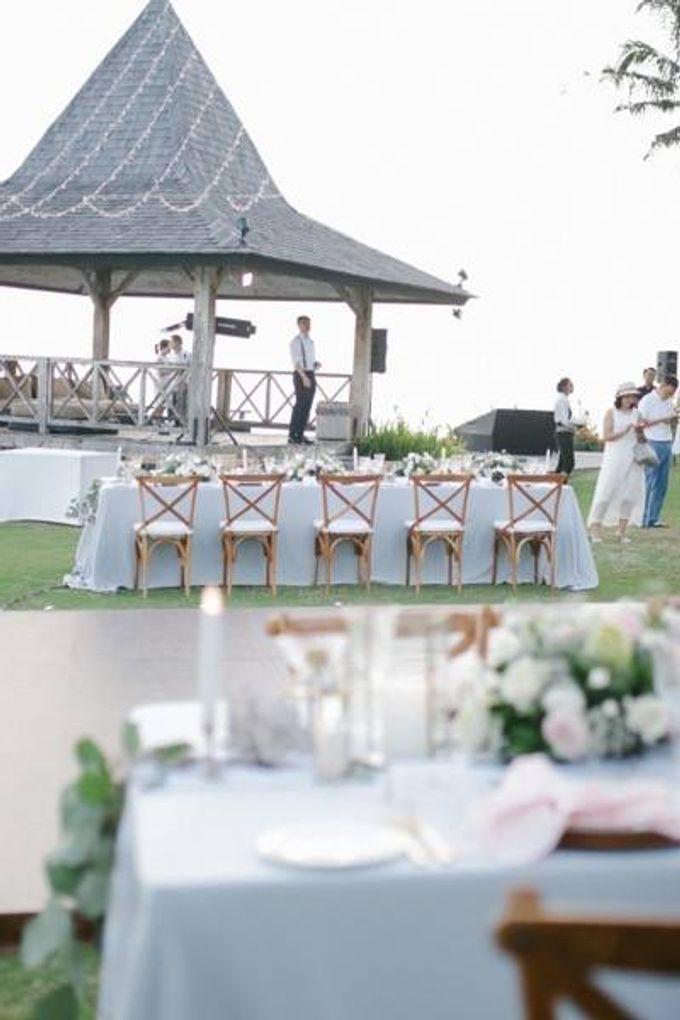 Khayangan Estate - Alfresco Cliff Edge Dining by Flora Botanica Designs - 032