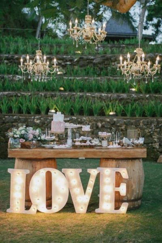 Khayangan Estate - Alfresco Cliff Edge Dining by Flora Botanica Designs - 047
