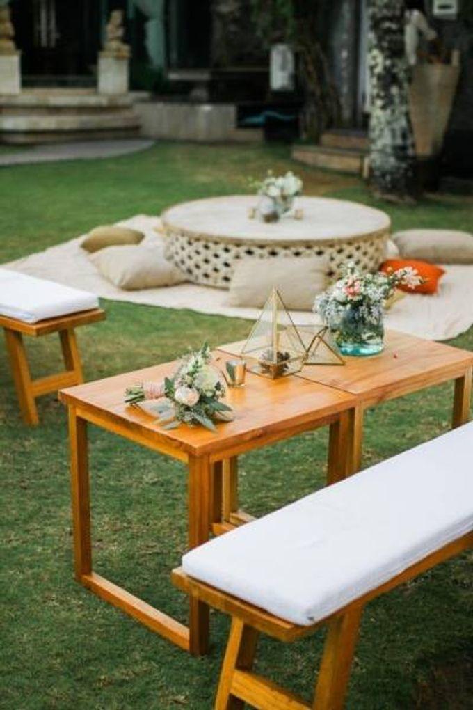 Khayangan Estate - Alfresco Cliff Edge Dining by Flora Botanica Designs - 008
