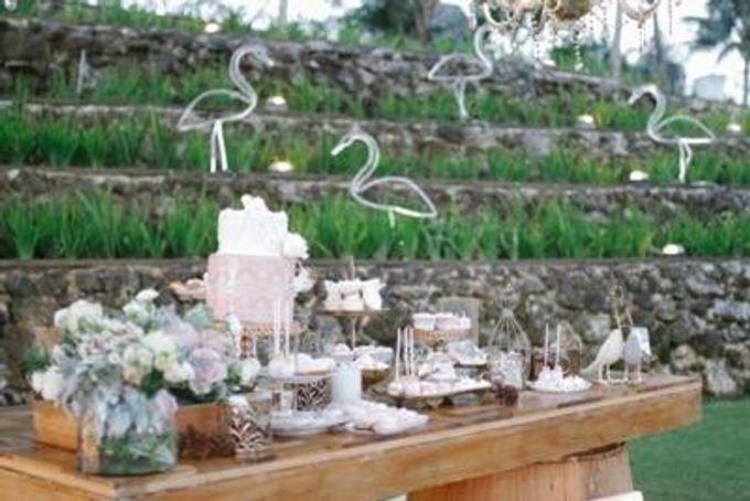 Khayangan Estate - Alfresco Cliff Edge Dining by Flora Botanica Designs - 046