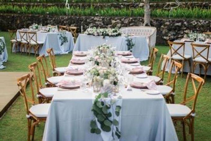 Khayangan Estate - Alfresco Cliff Edge Dining by Flora Botanica Designs - 012