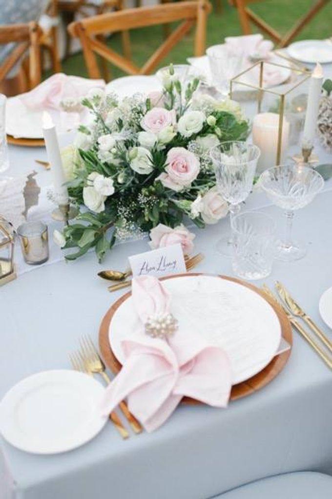 Khayangan Estate - Alfresco Cliff Edge Dining by Flora Botanica Designs - 045