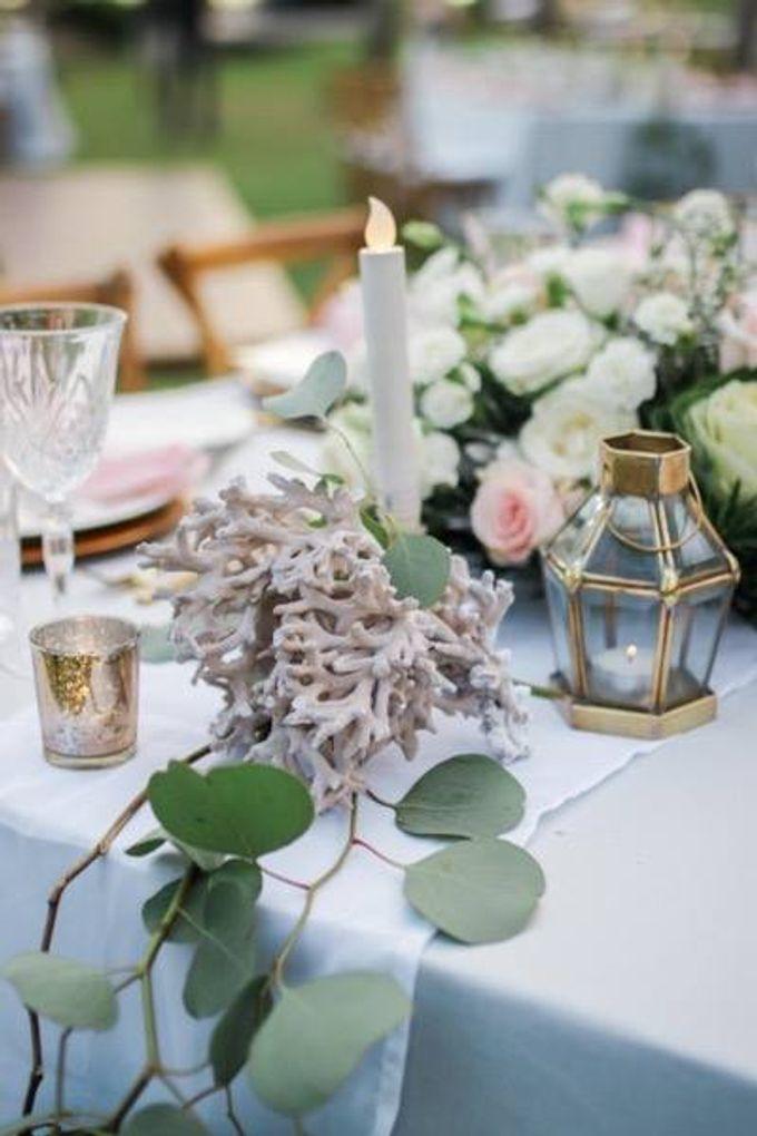 Khayangan Estate - Alfresco Cliff Edge Dining by Flora Botanica Designs - 017