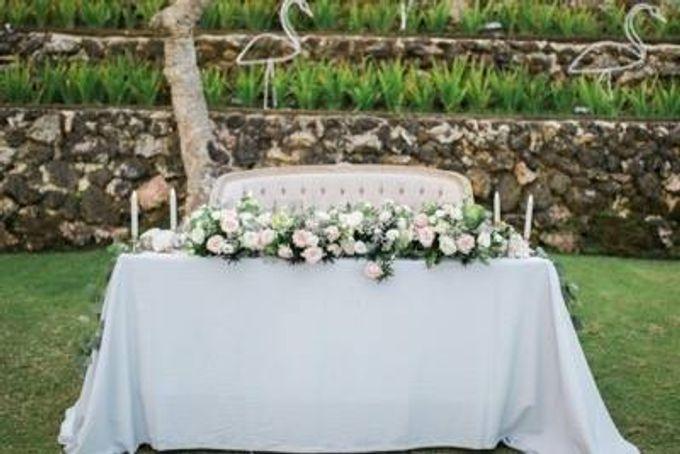 Khayangan Estate - Alfresco Cliff Edge Dining by Flora Botanica Designs - 024