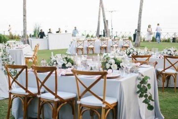 Khayangan Estate - Alfresco Cliff Edge Dining by Flora Botanica Designs - 036