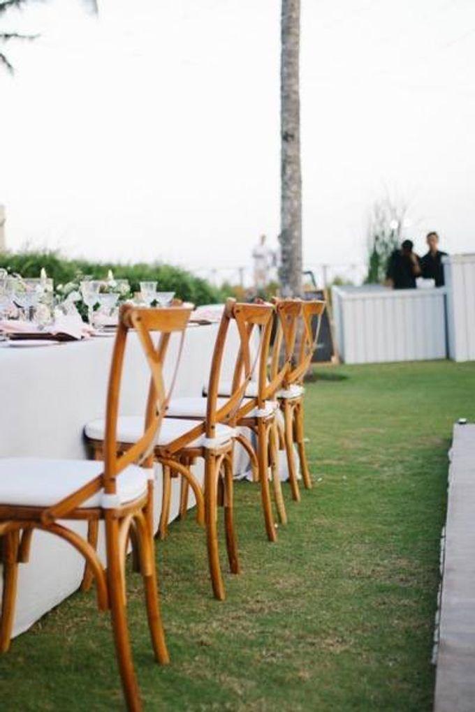 Khayangan Estate - Alfresco Cliff Edge Dining by Flora Botanica Designs - 042