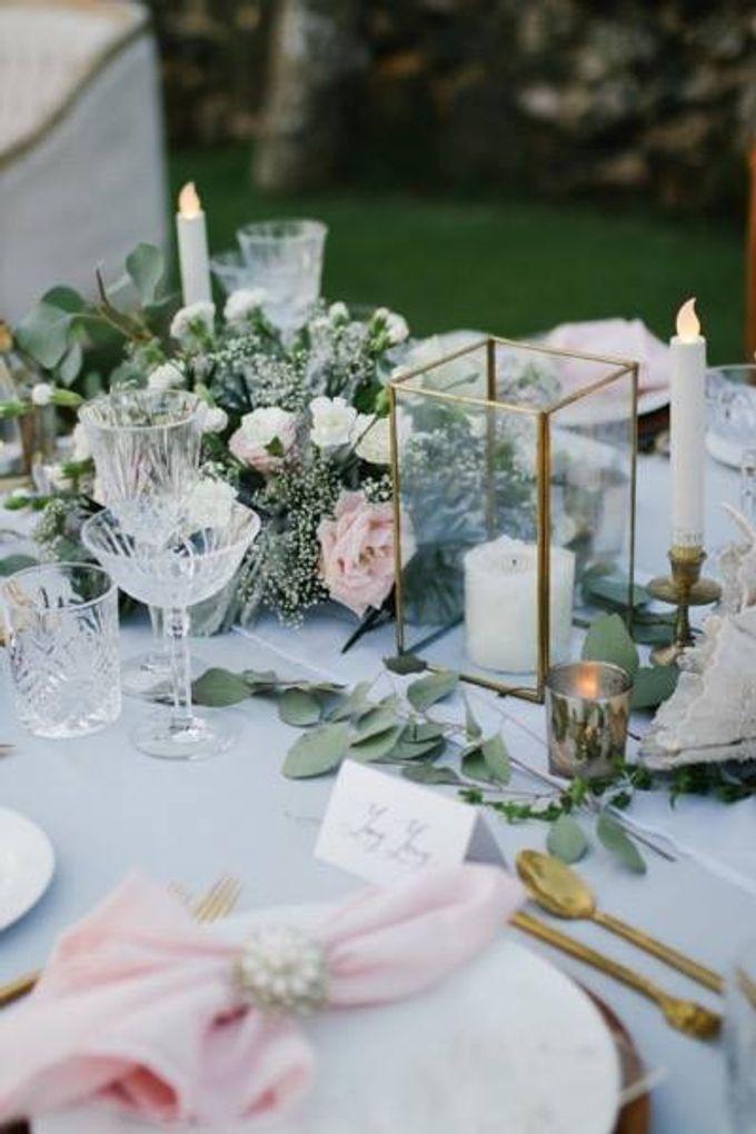 Khayangan Estate - Alfresco Cliff Edge Dining by Flora Botanica Designs - 034