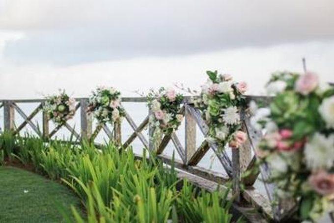 Khayangan Estate - Alfresco Cliff Edge Dining by Flora Botanica Designs - 005