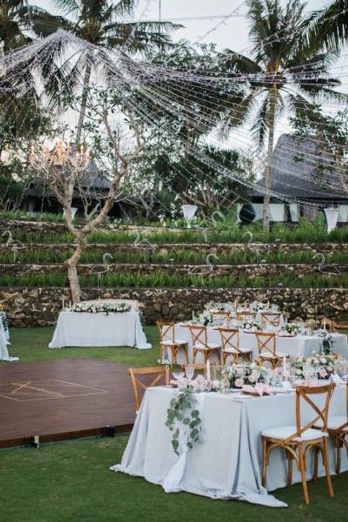 Khayangan Estate - Alfresco Cliff Edge Dining by Flora Botanica Designs - 028