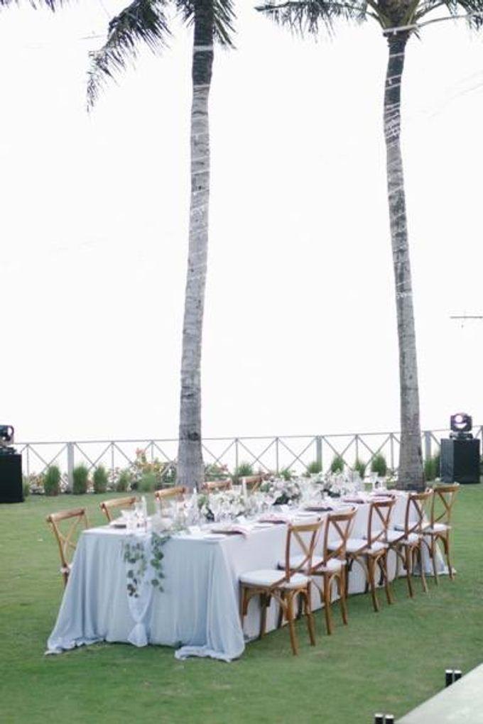 Khayangan Estate - Alfresco Cliff Edge Dining by Flora Botanica Designs - 031