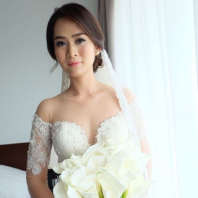 Fenny &  SIEWIN  WEDDING by Marsia Yulia Signature. Natural and Korean Make Up Specialist. - 001