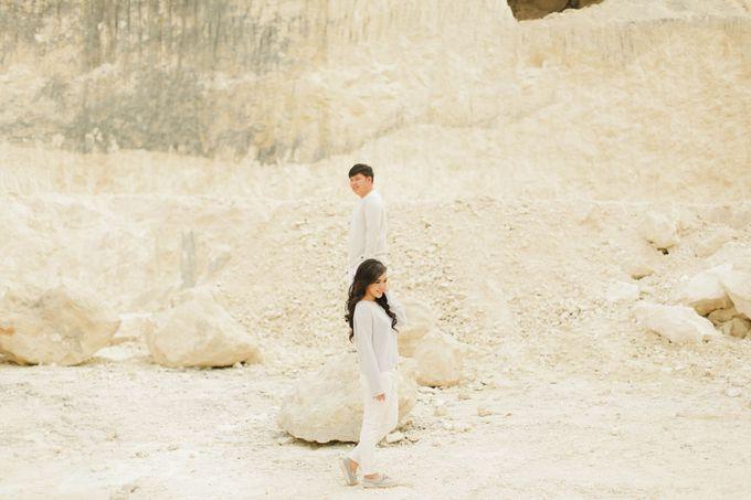 PRE - WEDDING SAMUEL & MERISA BY HENOKH WIRANEGARA by All Seasons Photo - 018