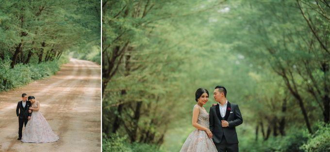 PRE - WEDDING ARA & OLIVIA BY HENOKH WIRANEGARA by All Seasons Photo - 022