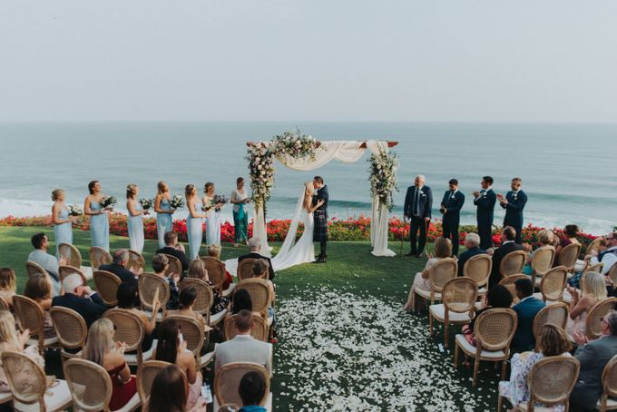 Beautiiful Clifftop Wedding of Kyle & Kelly by Terralogical - 024