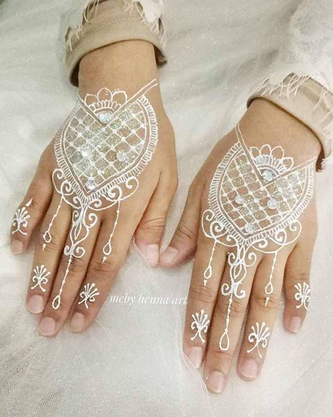 White Henna by Meby Henna Art - 006