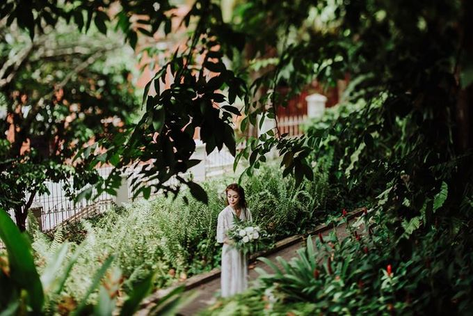 Contemporary Botanic Styled Shoot by Amperian - 018