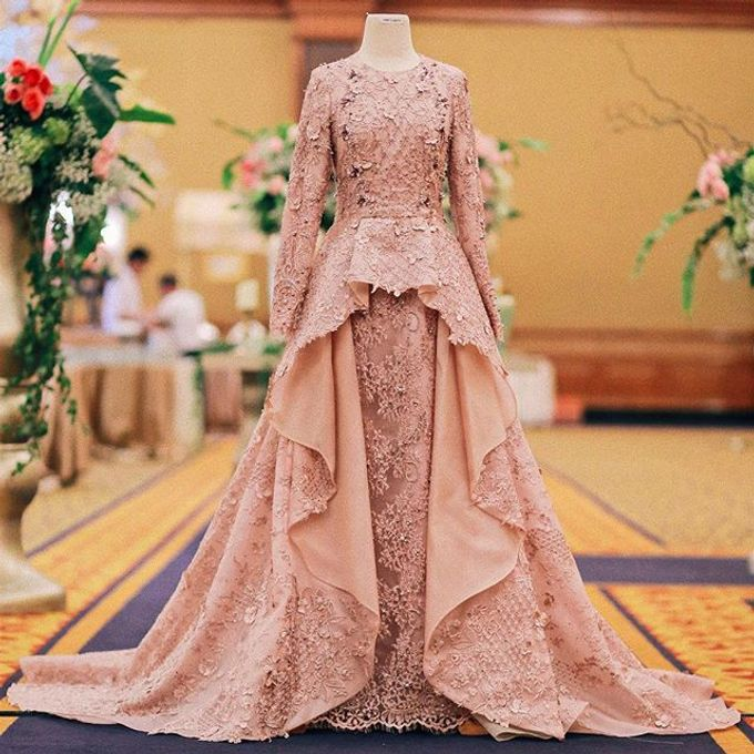 Rose gold wedding dress by FANNY KARTIKA - 001