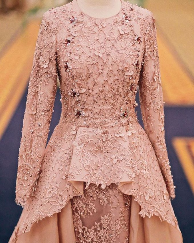Rose gold wedding dress by FANNY KARTIKA - 002