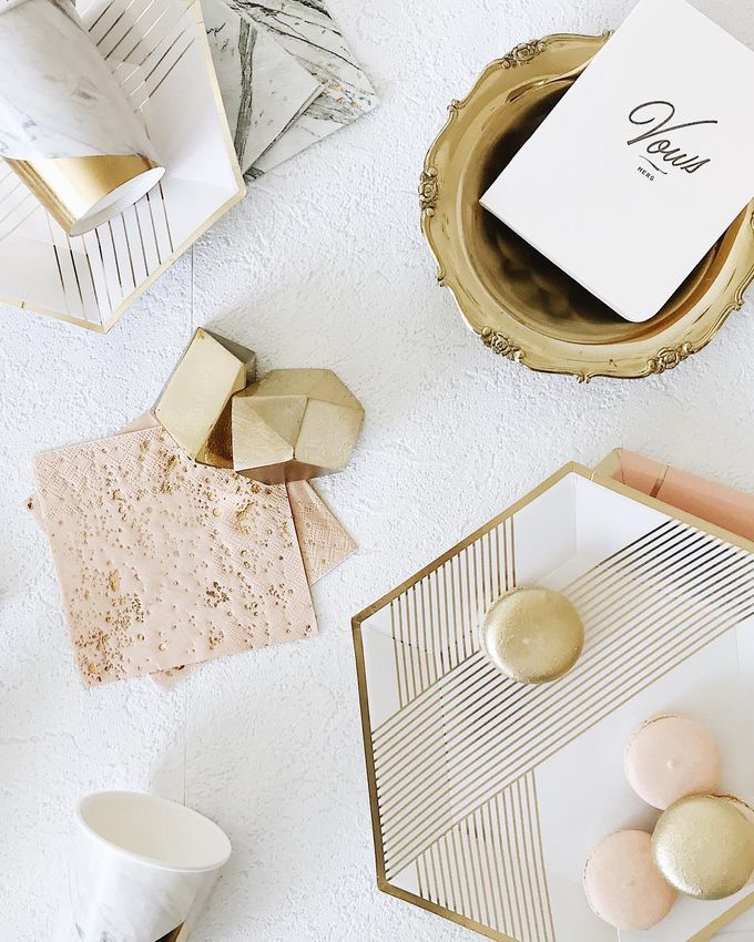 Blanc Collection by Party Modern - 002