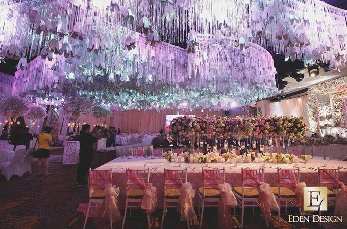 The wedding of budiyarto pearlyn by eden design bridestory add to board the wedding of budiyarto pearlyn by shangri la hotel surabaya 003 junglespirit Choice Image