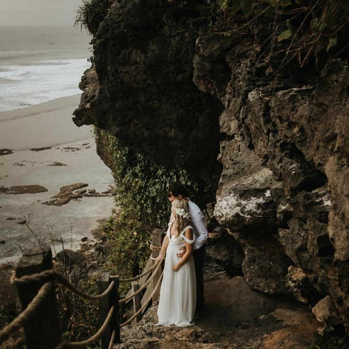 Christopher & Kristlyn - Elopement Day by ILUMINEN - 009