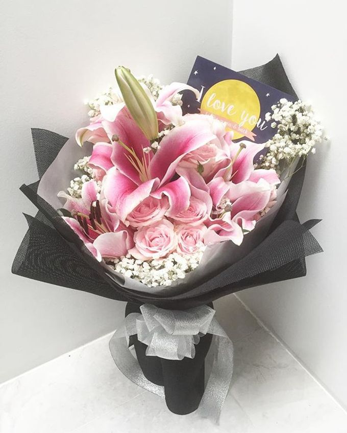 Personal Hand Bouquet by Flowers & Lyrics - 014