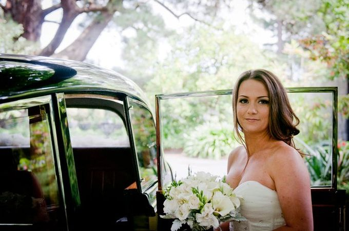 Dandenong Mountains Wedding by Innicka Dee Cakes - 005