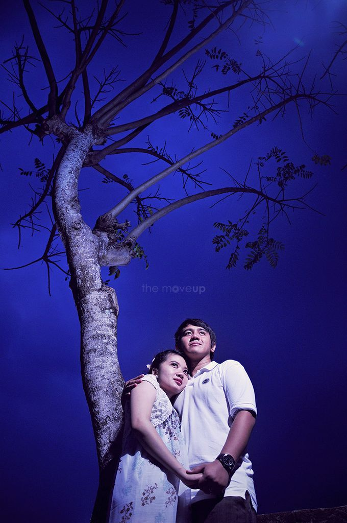 Prewedding of frisna + nanda by The Move Up Portraiture - 012