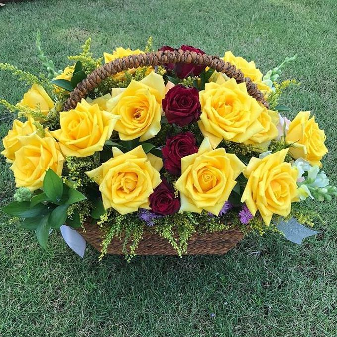 Personal Hand Bouquet by Flowers & Lyrics - 011