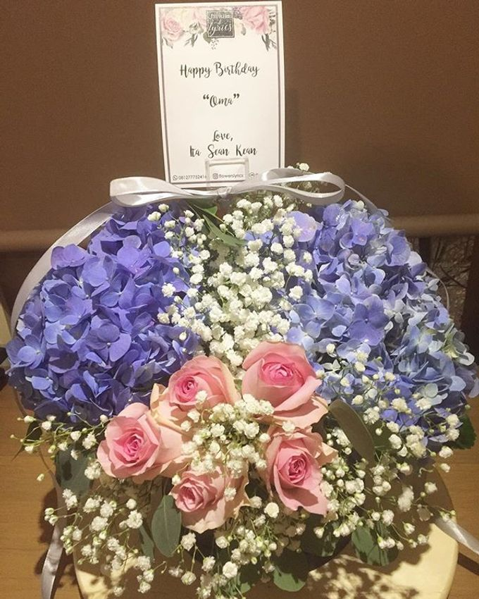 Personal Hand Bouquet by Flowers & Lyrics - 013