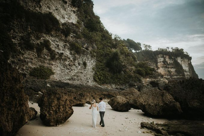 Christopher & Kristlyn - Elopement Day by ILUMINEN - 012