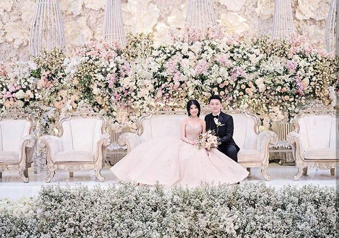 Weddings at the trans luxury hotel by the trans luxury hotel bandung add to board weddings at the trans luxury hotel by the trans luxury hotel bandung 001 junglespirit Choice Image