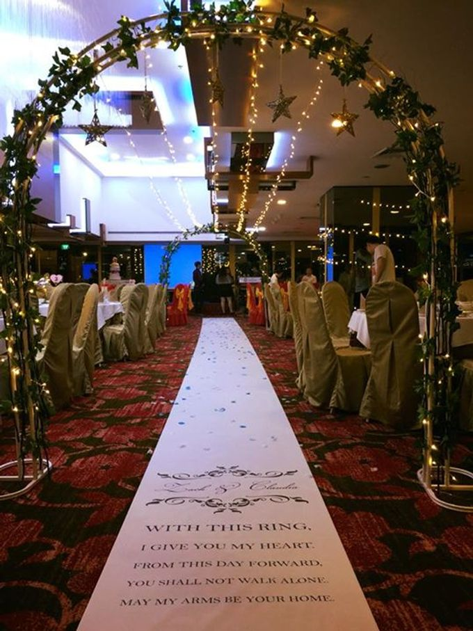 Fairylights Canopy and Customised Aisle Runner by Te Planner - 001