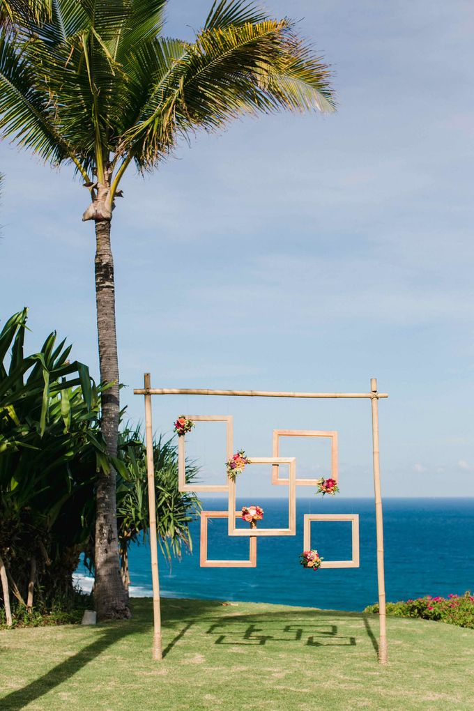 J&M Rustic Glam Cliff Top Wedding by THE UNGASAN CLIFFTOP RESORT BALI  - 007