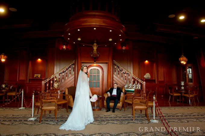 Wedding in the Konstantinovsky Palace by Grand Premier - 014